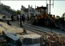 تعز.. إصابة 3 مدنيين بإنفجار لغم حوثي بحي ثعبات