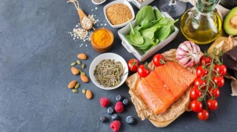 أطعمة ضد الالتهابات وتقوي المناعة عليك تناولها