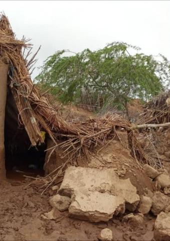 الحديدة .. السيول تجرف منازل المواطنين  بالدريهمي